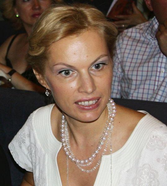 6место— Ирина Абрамович. Ещё один «новичок» рейтинга самых богатых женщин России— бывшая жена Романа Абрамовича— Ирина Абрамович. Частное инвестирование принесло ей300 млн долларов.