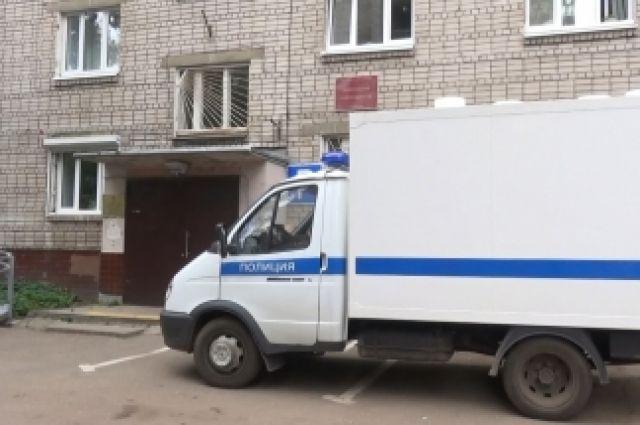 Уярославца вмагазине похитили 408 тыс. руб.