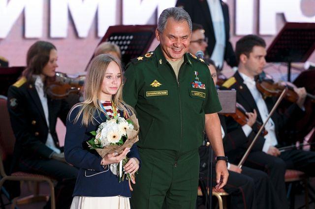 Шойгу наградил спортсменов ЦСКА, получивших награды наОлимпиаде вРио