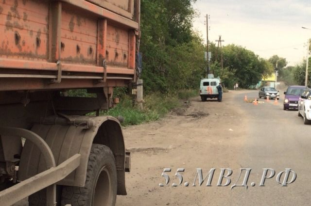 ВОмске КамАЗ сбил насмерть пенсионерку