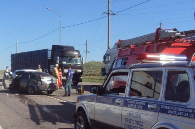 ВВоронежской области втройном ДТП пострадали 5 человек: двое дети