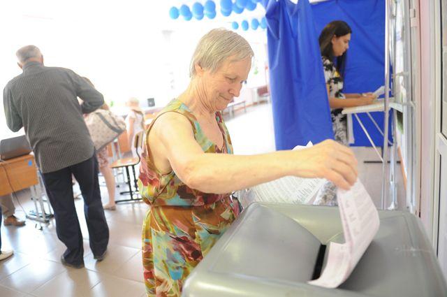 НаЯмале стартовало преждевременное голосование: кизбирателям добираются повоздуху иводе