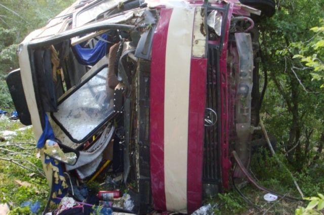 ВКрыму пофакту смерти пассажиров автобуса возбудили дело вотношении водителя