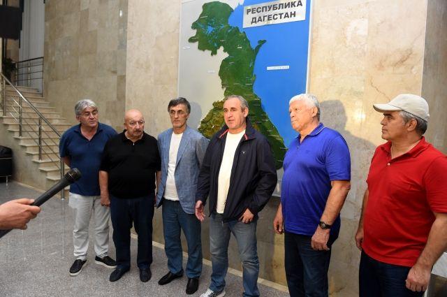 Неверов поведал оработе над восстановлением сгоревшего села вДагестане
