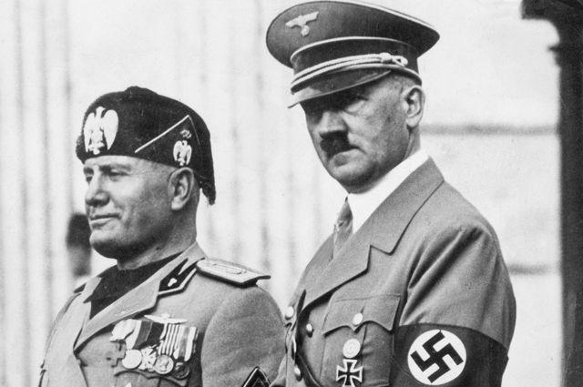 Бенито Муссолини и Адольф Гитлер. Берлин. 1937 год.