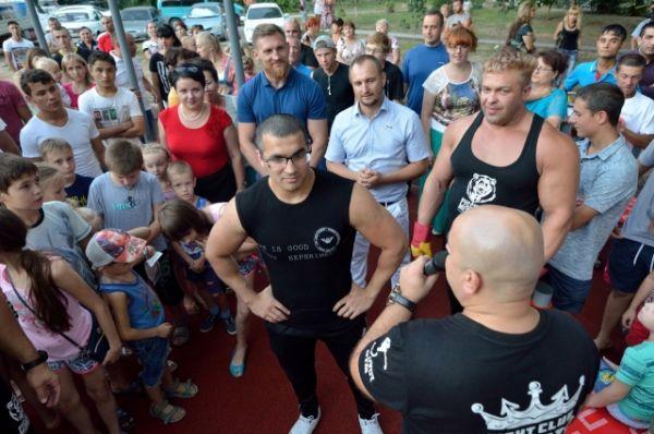 Не мог устоять перед соблазном и чемпион Евразии по пауэрлифтингу волгодонец Хасыл Дадаханов.