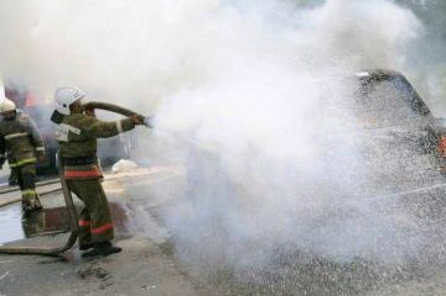 Ночью вЕкатеринбурге сгорели 5 авто