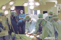 Новый орган крепится на теле с помощью магнитов.