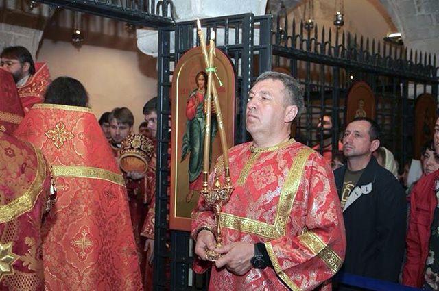 На отдыхе в Италии Игорь Албин любит появляться в монашеском одеянии.