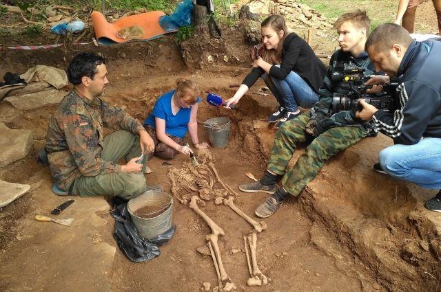 Тюменские археологи обнаружили захоронения сконем