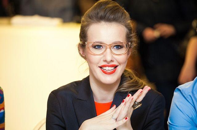 Ксения Собчак похвасталась вышиванкой отукраинского дизайнера