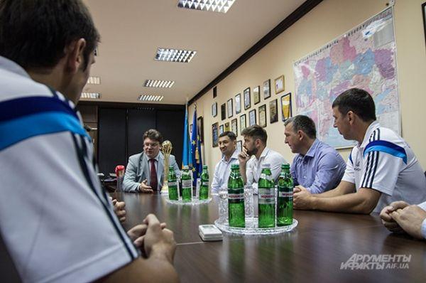 Обсуждался также и ряд других вопросов связанных со сборной