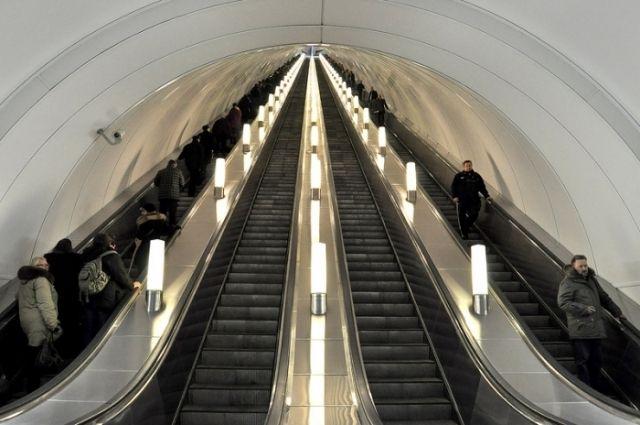 Настанции метро «Лесная» временно ограничат выход