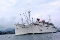 Советский теплоход «Адмирал Нахимов» в Чёрном море.