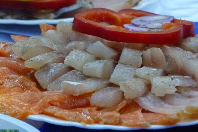 Жирная морская рыба содержит много полезных для иммунитета веществ.