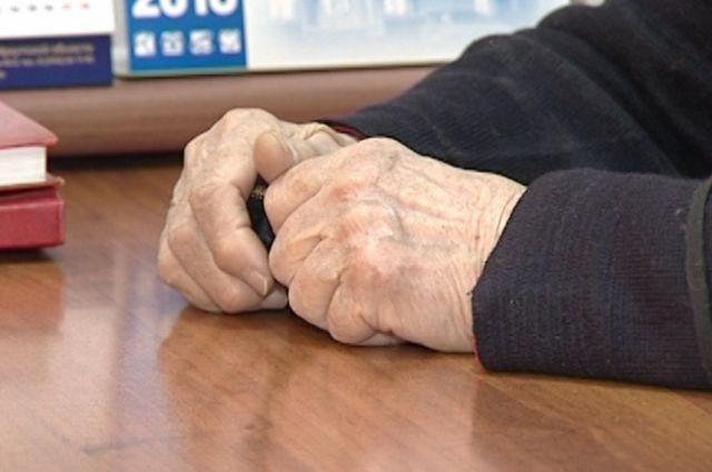 Брянскую пенсионерку подозревают вкраже денежных средств