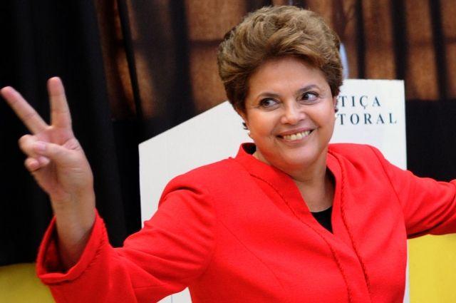 Сенат Бразилии отстранил президента Русеф отвласти