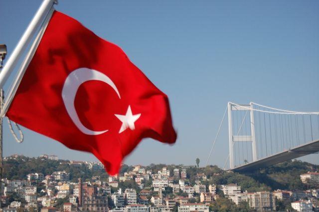 Премьер Турции сказал оботставке руководителя МВД