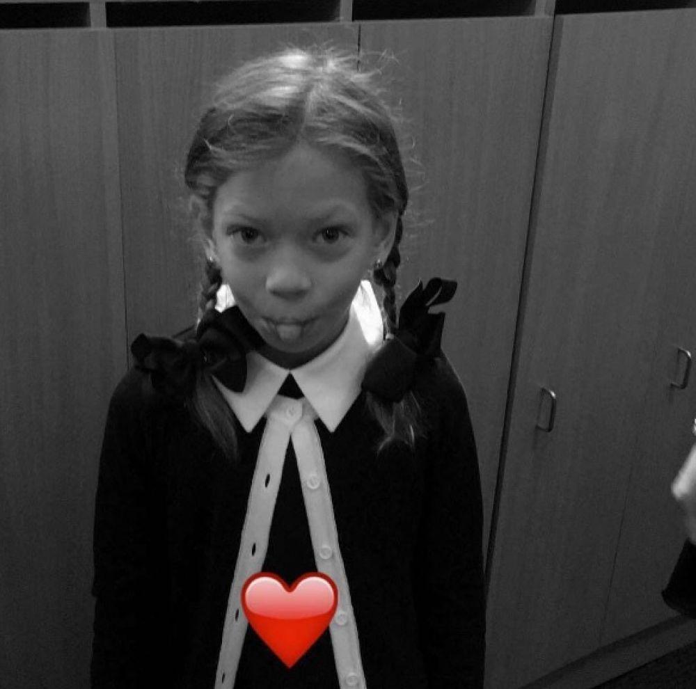Первоклассница Веры Брежневой, Сара пришла в киевскую школу