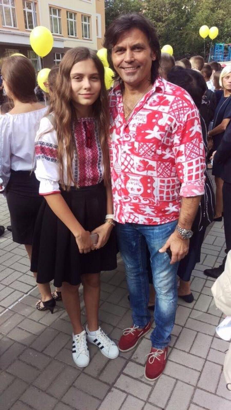 А это младшая дочь Ольги Сумской и Виталия Борисюка переходит в 9 класс