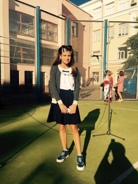 Маша, дочь главы политсовета партии «Наша Украина» Ирины Ванниковой идет уже в 6 класс