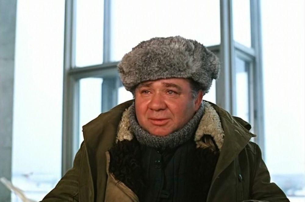 В роли Ивана Волохова в картине «Мимино» (1977).
