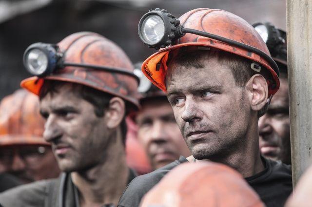 Еще  100 шахтеров присоединились кголодовке вРостовской области
