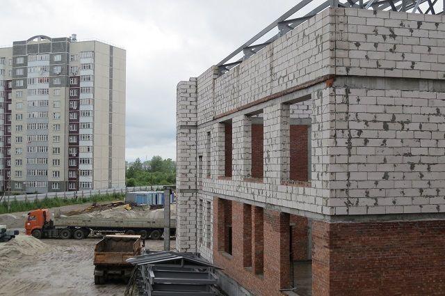 ВНефтеюганске Наталья Комарова проверила строительство социальных объектов