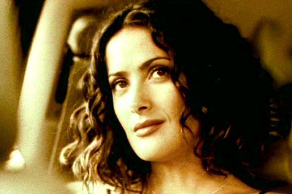 В 2000 году Сальма снялась с Бенисио дель Торо и другими звездами Голливуда в получившем множество наград фильме «Траффик», однако в титры не попала.
