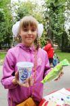 От «Молочной азбуки» вкусные подарки обрадовали детей.