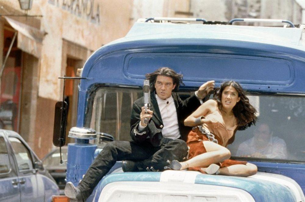 В 2003 году Сальма повторила свою роль из «Отчаянного», снявшись в фильме «Однажды в Мексике» — заключительной части трилогии.