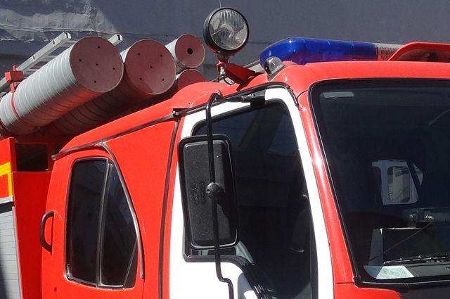 НаКраснодонской вСамаре 50 огнеборцев устранили крупное возгорание