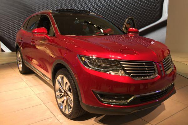 Lincoln MKX, в России не продается, цена от $38 260 до $57 810.