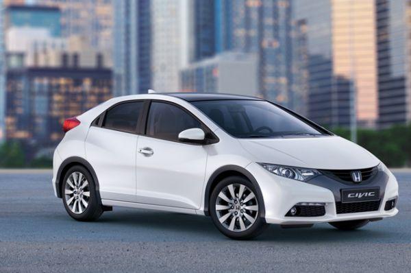 Honda Civic, в России официально не продается, цена варьируется от $18 640 до $26 500.