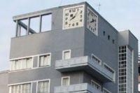 В Доме под часами часы - не главное