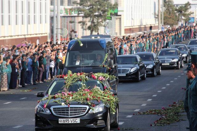 Прощание сКаримовым: вродительском доме президента прошел обряд похорон
