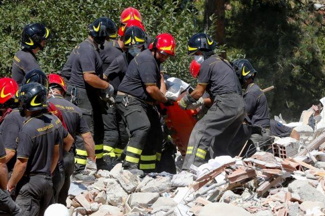 Работники МЧС РФ вылетели вИталию для борьбы споследствиями землетрясения