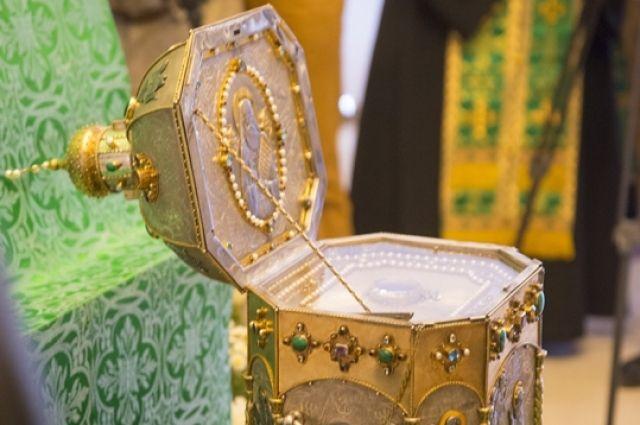 Брянцы проводили ковчег смощами преподобного Силуана Афонского