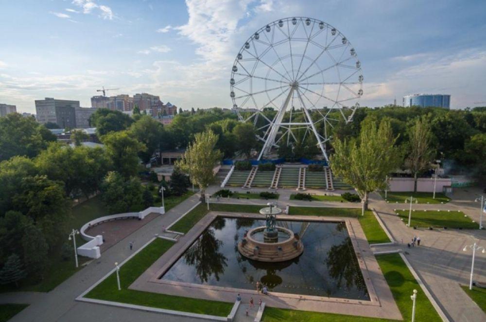 Высота нового аттракциона 65 метров – выше только 83-метровое «чёртово колесо», открытое в 2012 году в Лазаревском парке Сочи.