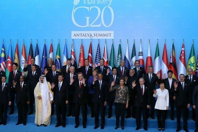 Путин принял участие внеформальной встрече лидеров БРИКС вКитайской народной республике