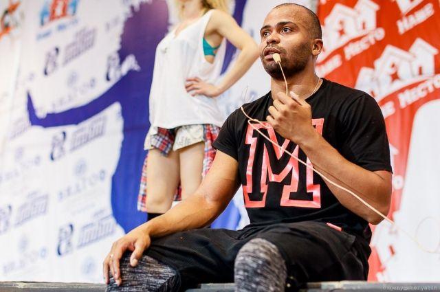 Мигель, наставник участников проекта.