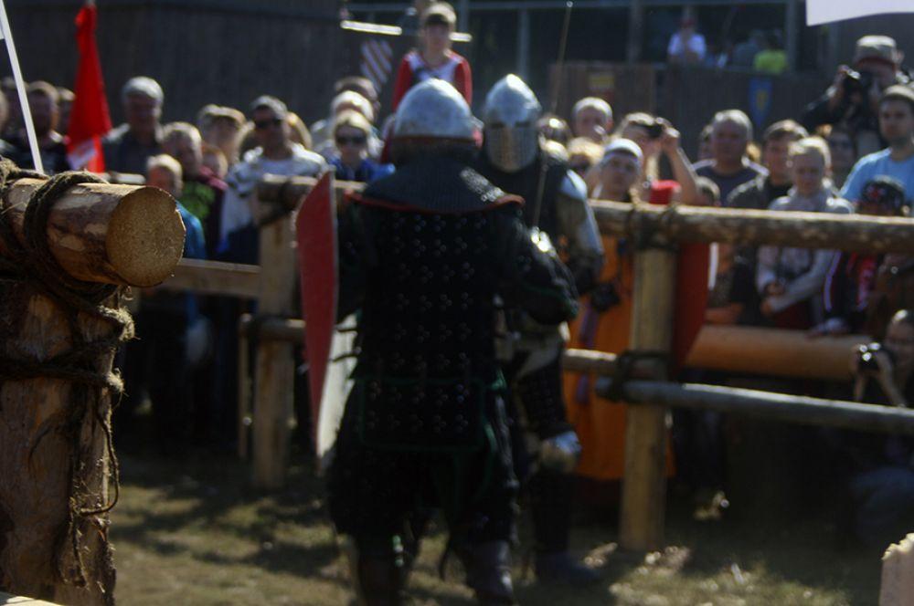 Бои привлекли большое количество зрителей.