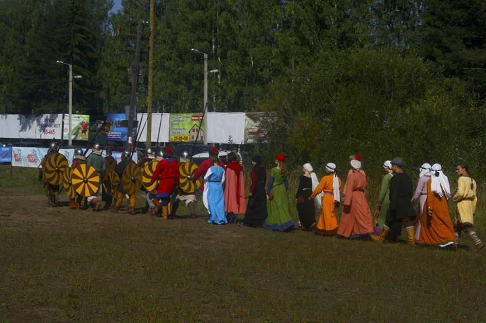 Фестиваль открылся традиционный парадом.