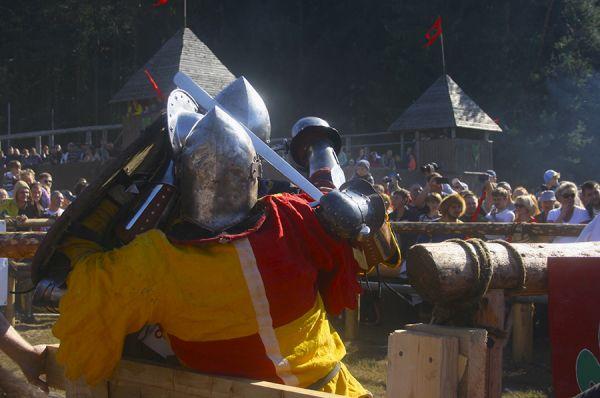 Воспоминания о рыцарях останутся в памяти зрителей надолго.
