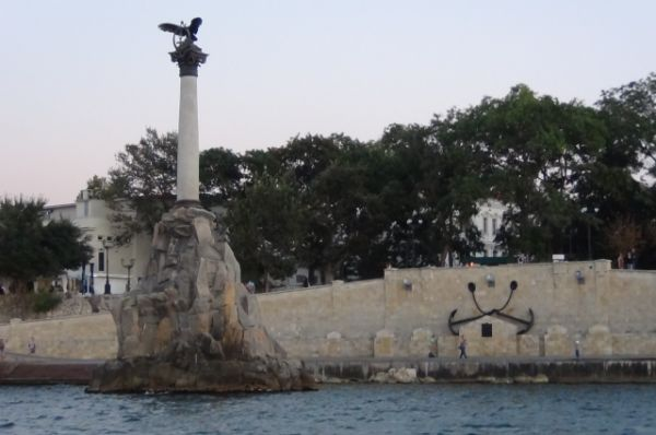 Севастополь (Памятник затопленным кораблям и Херсонес Таврический)