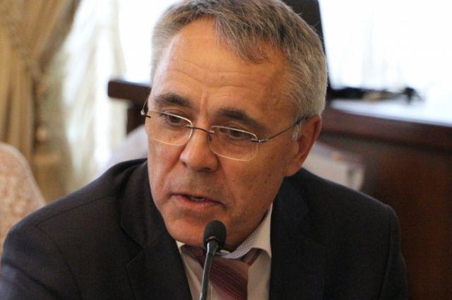 Булат Гайнанов покинул пост руководителя дорожного комитета