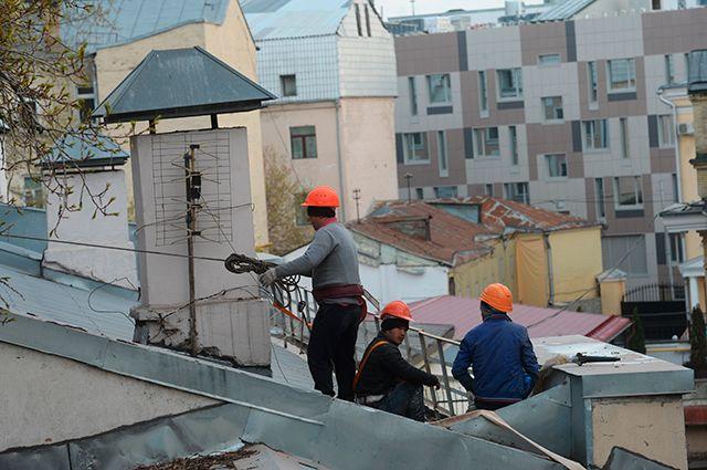 Трудяги из солнечного Узбекистана отправляют родным миллиарды долларов, заработанные в России.