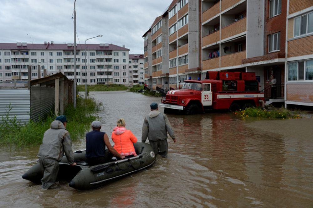 Для граждан, чьи дома оказались подтопленными, организованы пункты временного пребывания.