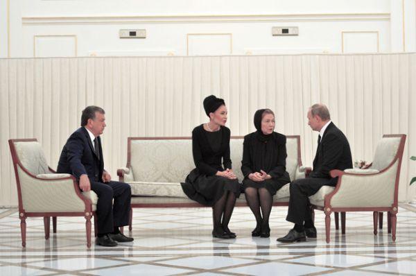 Также российский лидер выразил свои соболезнования вдове президента Татьяне Каримовой и его младшей дочери Лоле.