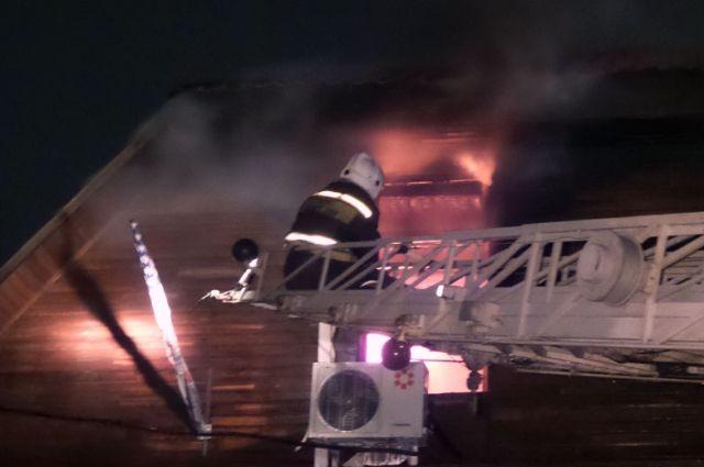 ВЕкатеринбурге ночью горело офисное сооружение наСтепана Разина